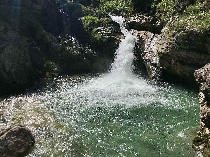 Kuhflucht Wasserfälle: Die kalten Gumpen sind schön anzuschauen, aber sehr kalt zum Baden in Bayern!