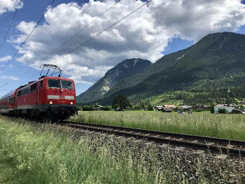 Mit dem Zug in die Berge - zu den Wasserfällen ideal ab München