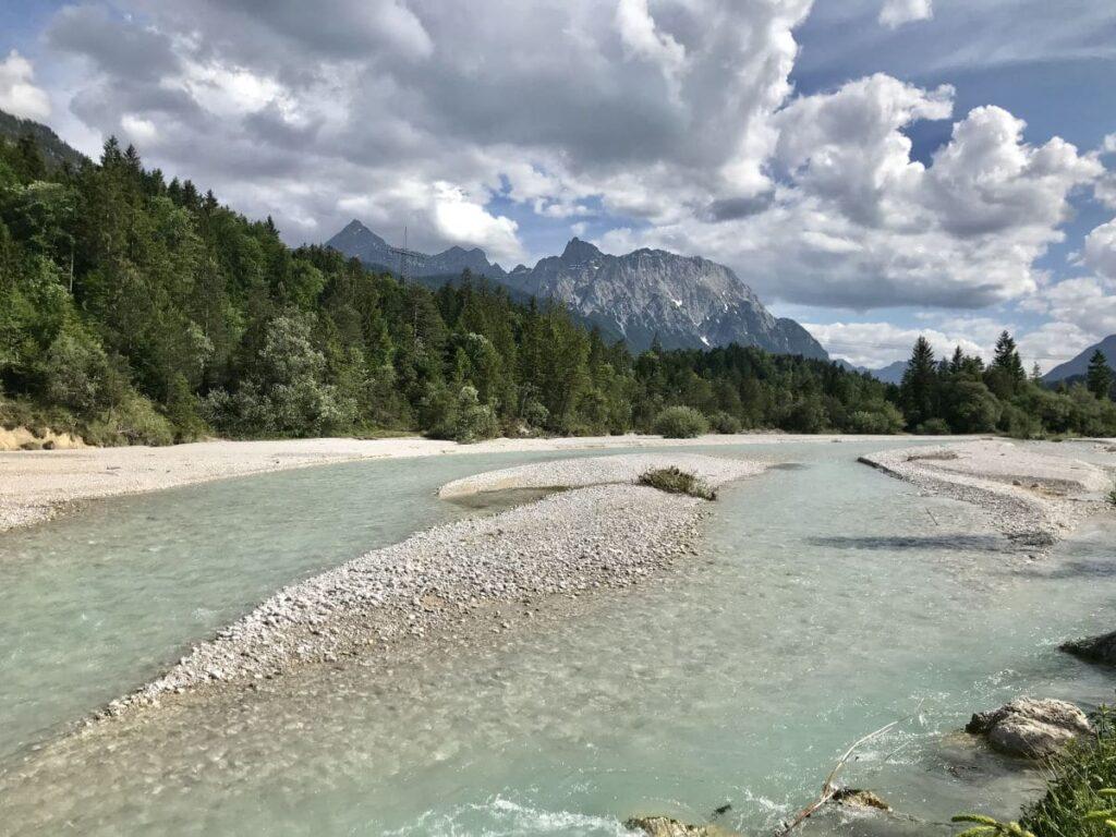 Hier siehst du die Isar bei Wallgau, flußabwärts ist der Isarfall